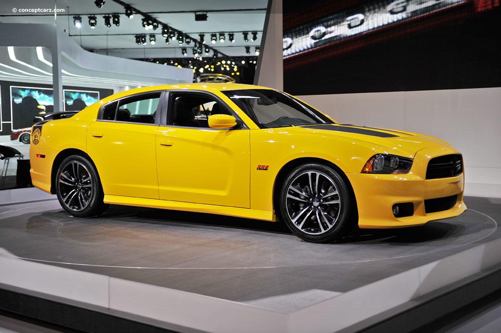 Dodge-Charger-SRT8-Super-Bee