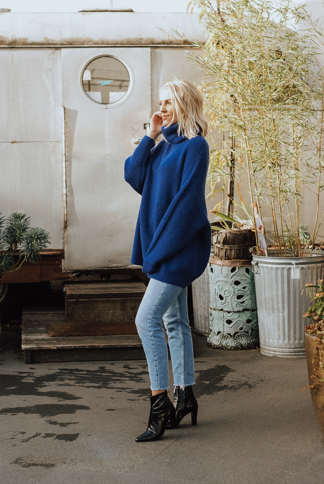 Autumn Sorelle | How to Spice Up an Oversized Sweater