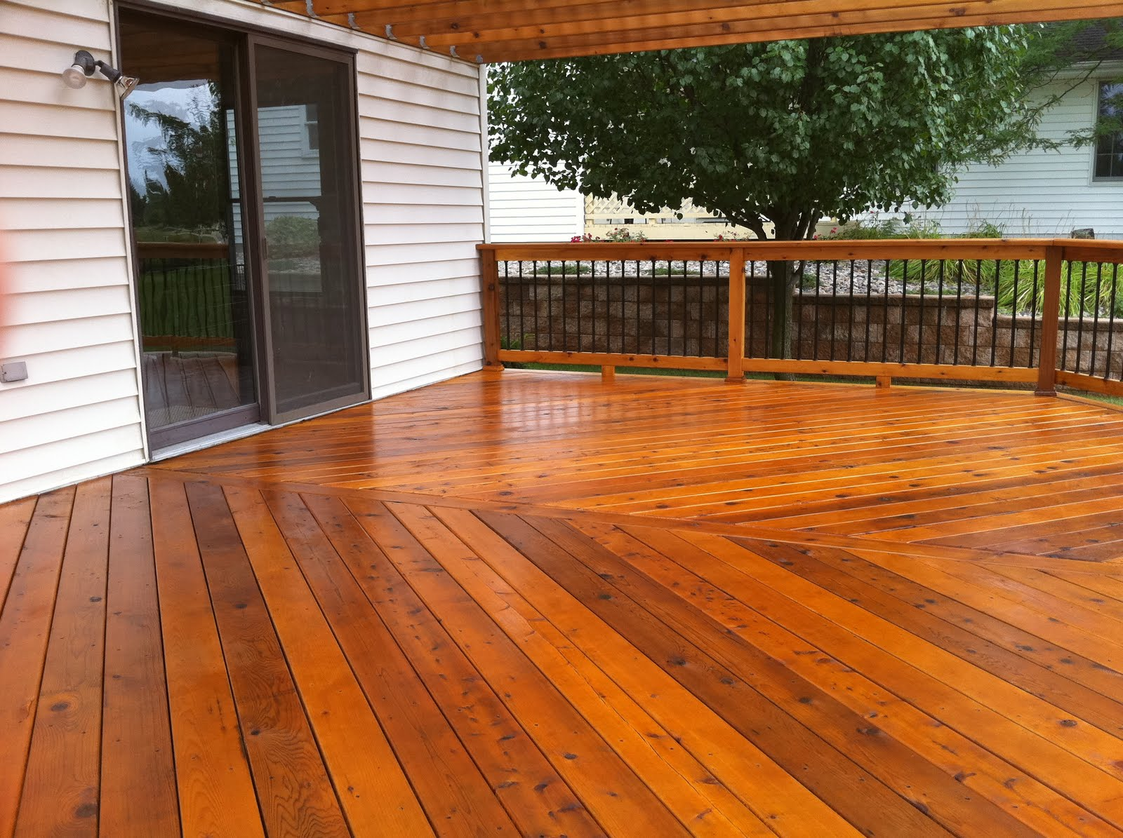 Cedar Wood Decks In Michigan Autumnwoodconstruction S Blog