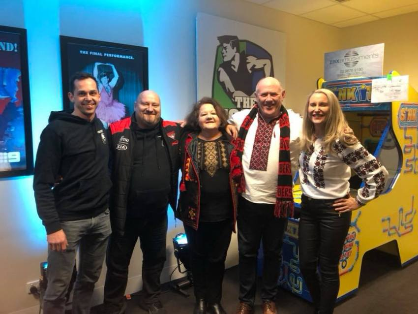 Alex Dechnicz and Taras Galas (Cossack Brothers), Irene Stawiski (AUV operations manager), Stefan Romaniw (Chairman AFUO), Liana Slipetsky (Vice president of the Association of Ukrainians in Victoria) backstage at the AFL Footy Show