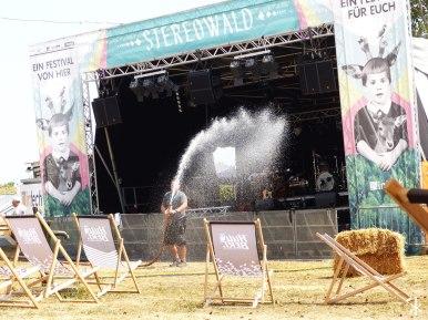 Kurz vorm Festivalstart am Samstag: Die Wiesenbühne