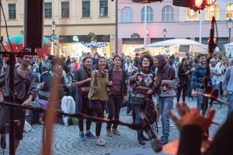 taubenschlag-moritzplatz-augsburg-friedensfest-c-Ferenc-Horvath