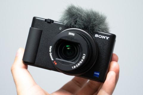 DSC09609_s 【カメラ】ソニー、Vlog向けカメラ「VLOGCAM」。バリアングルで自撮り、商品レビュー動画用ボタン