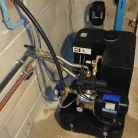 aduction d'eau sur reserve d'eau de pluie