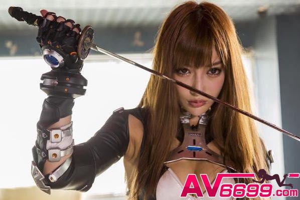 AV女優- 明日花綺羅 神奇的人體噴泉 | AV6699