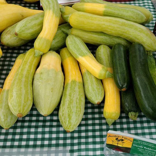 Yay! The zephyr squash is back at Avalon Farms! Tasty and tender, with a hint of nuttiness. We've got a bunch this morning at Poplar Head farmers market in downtown Dothan.  It's overcast and cooler, and it looks like the rain will hold off.  Come see us!