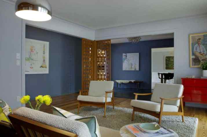 Traditional Mid Century Modern Living Room. Source: marniegoodfriend.com