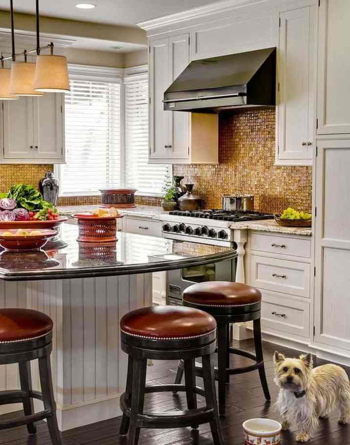 Luxurious Country Kitchen Island