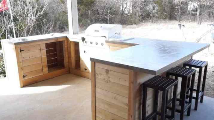 Simple DIY Outdoor Kitchen