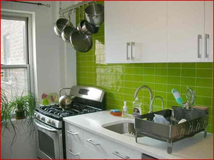 Fresh, Mirrored Kitchen Backsplash