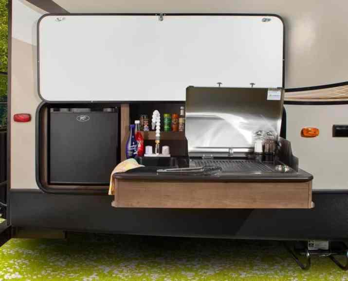 Mobile Modern Outdoor Kitchen