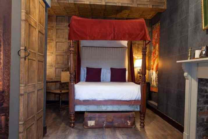 Classic Harry Potter Bedroom