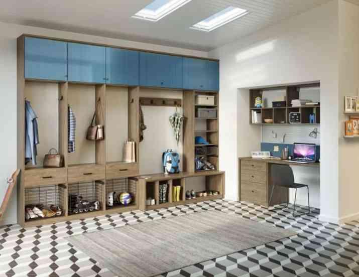 Wealthy Mud Room