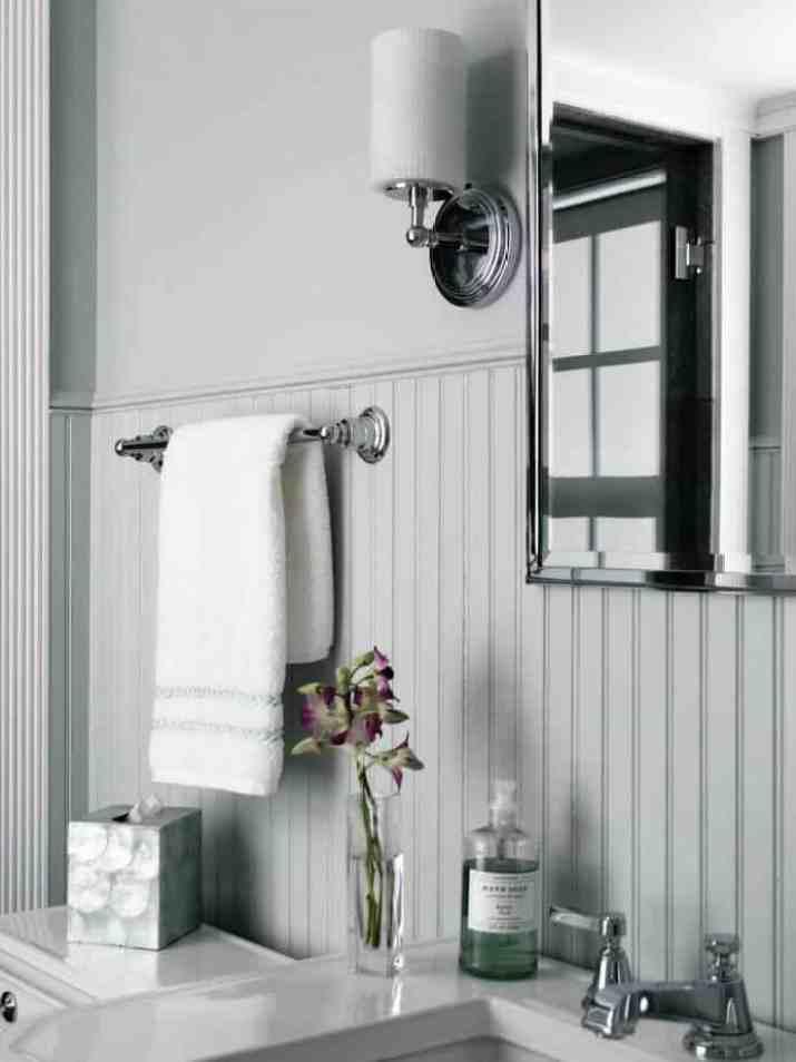 Neutral Beadboard Bathroom