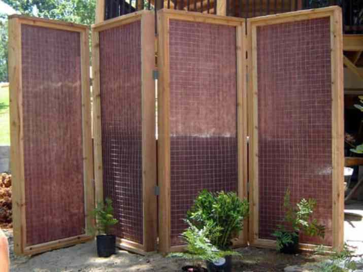 Freestanding Privacy Screen