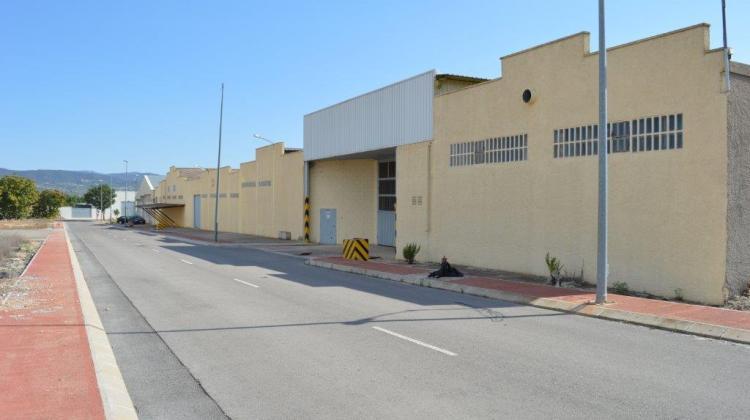 Naves Industriales en Benejama (Alicante), cerca de Villena