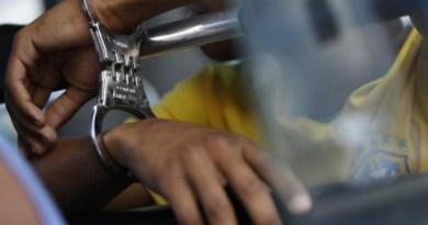 Homem é preso ao agredir mulher no centro de Avaré