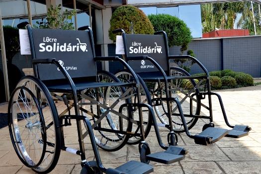 Campanha Lacre Solidário entrega duas cadeiras de roda em Avaré