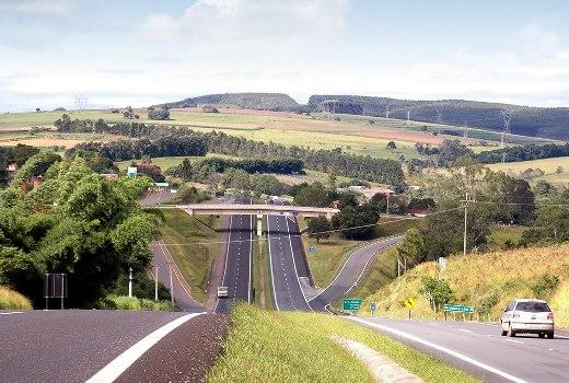 Operação Páscoa - Expectativa de 37 mil veículos na João Melão em Avaré