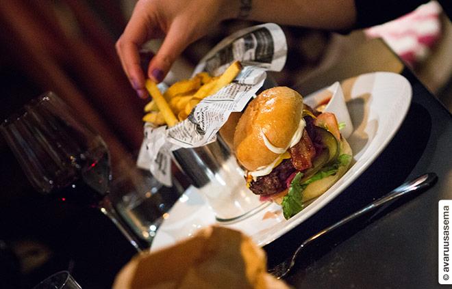 sinnehelsinki-burger