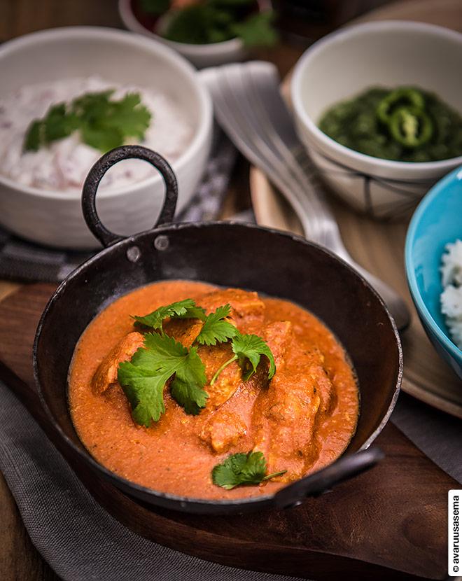 Butter chicken eli intialainen voikana, © avaruusasema.com