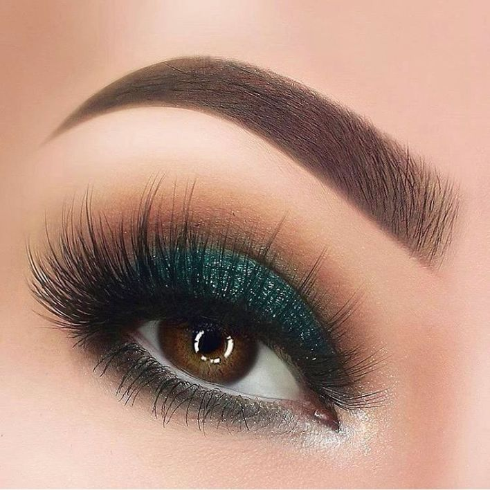 a pic of eyes with 3D mink lash