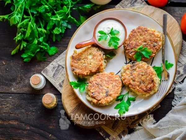 «Котлеты из рыбных консервов с рисом и грибами — рецепт с ...