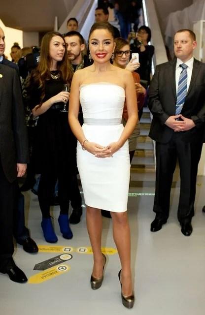 «Дочь президента Азербайджана в нежном белом платье ...
