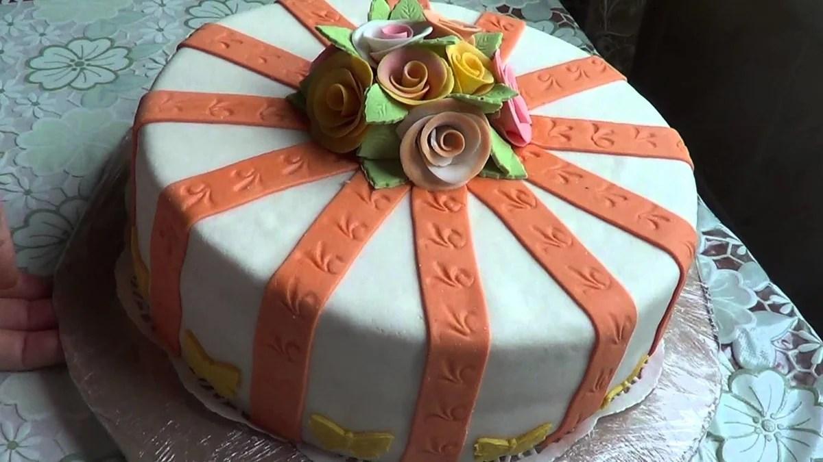 «Торт для мамы. Украшение из мастики. » — карточка ...