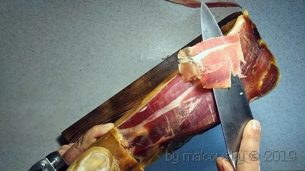 Jamon slicing.