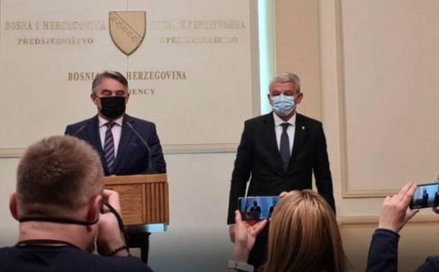 Članovi Predsjedništva BiH Željko Komšić i Šefik Džaferović