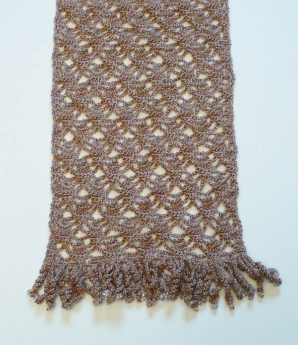 écharpe dentelle au crochet avec perles