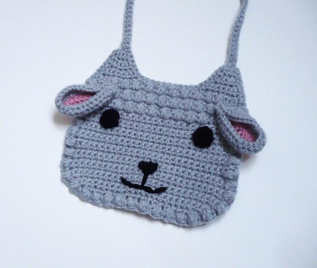 bavoir mouton crochet
