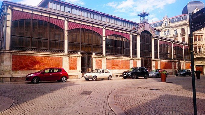 Mercado cubierto —Les Halles— de Béziers.