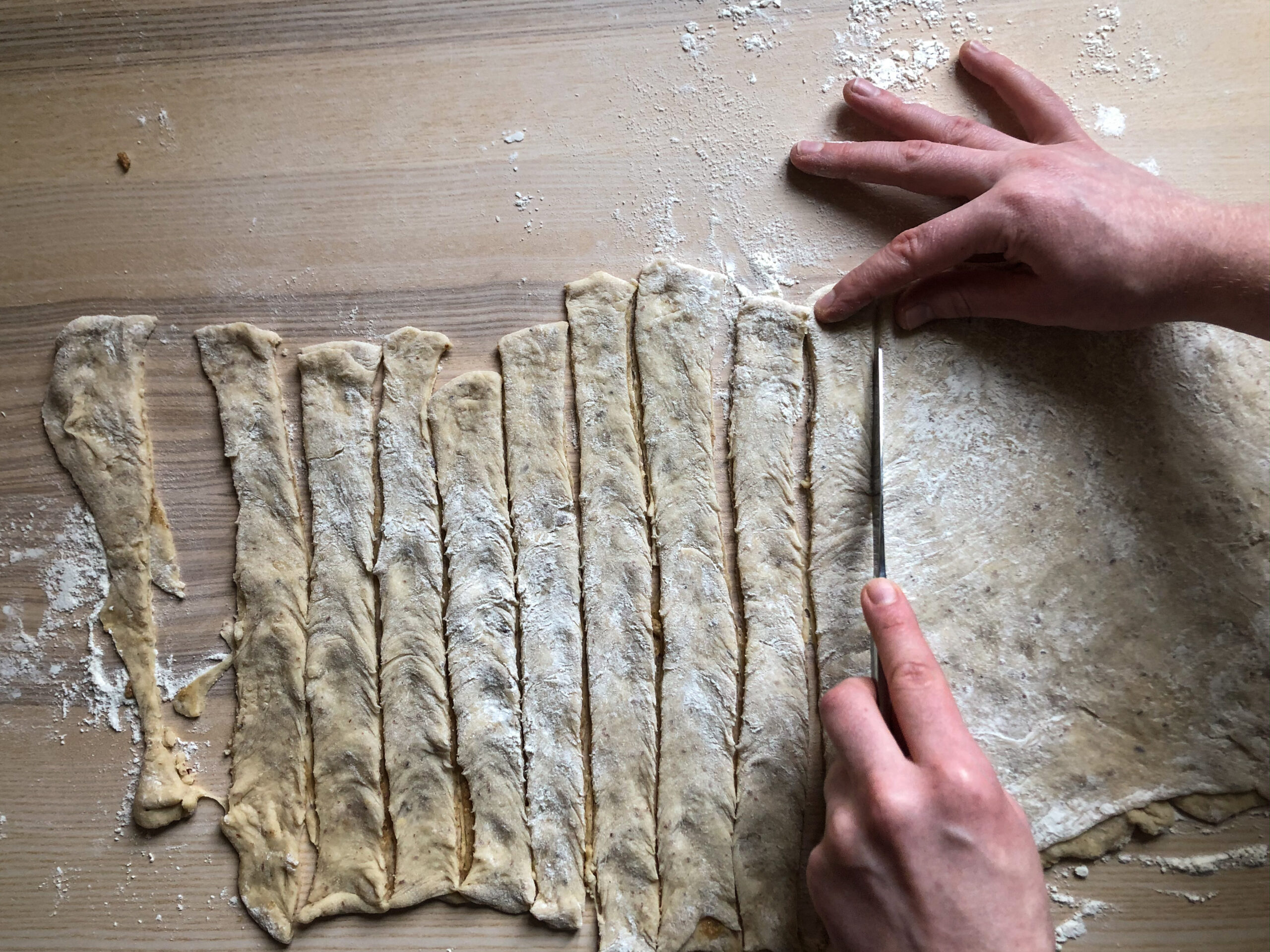 slicing the dough
