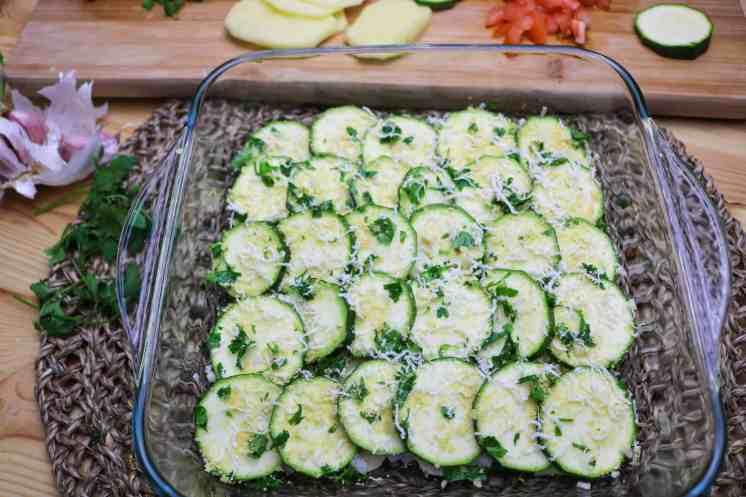 strato di zucchine nella teglia
