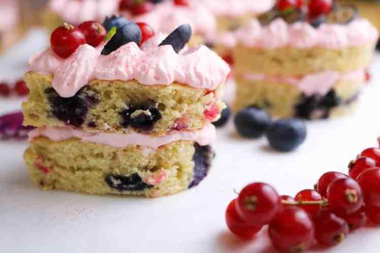mini torte ai frutti bosco vegan lato