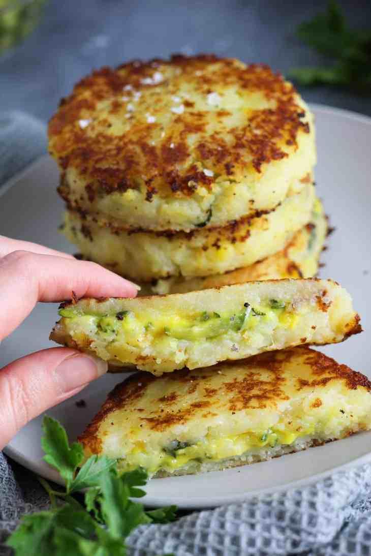 dettaglio interno tortini patate zucchine curcuma