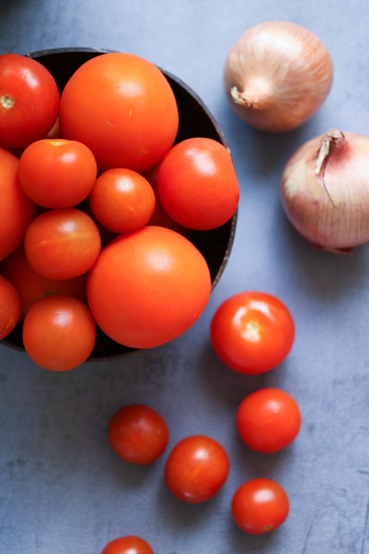Raw Tomato and Onions for vegan tomato soup