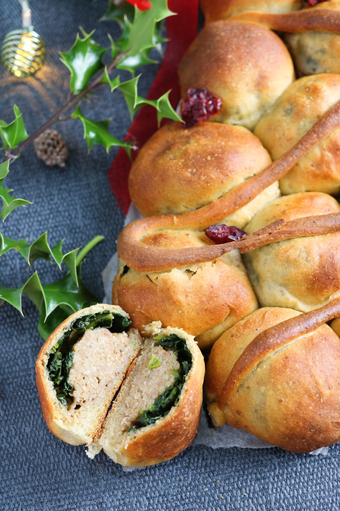 Albero Natalizio di Mini Pan Brioche Ripieni | Pull apart bread