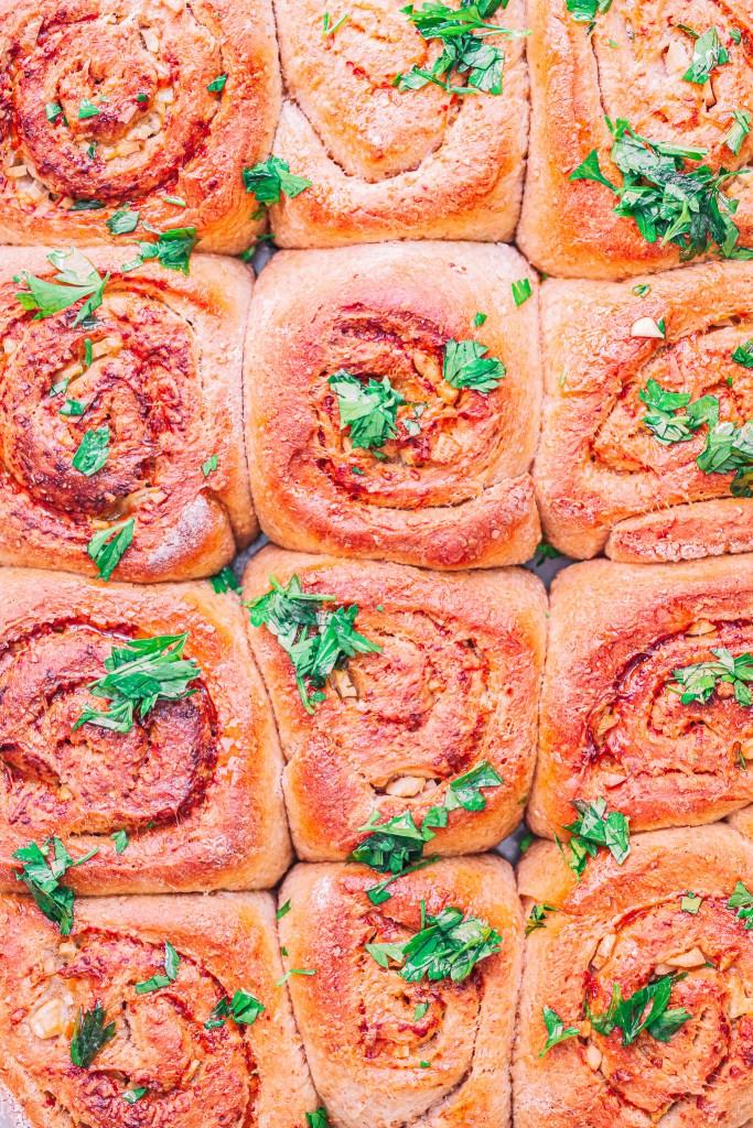Rollos de ajo y queso: receta de rollos integrales