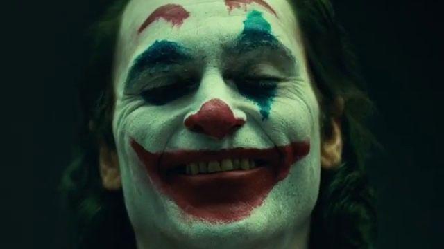 Joaquin-Phoenix-Joker-makeup.jpg