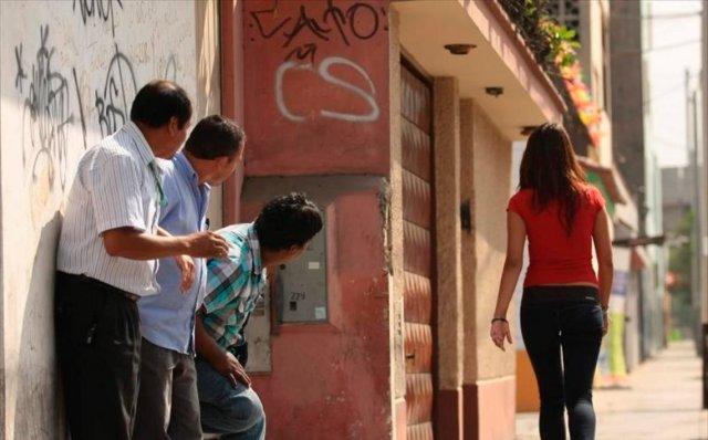 Acoso-callejero-Diario-Popular.jpg