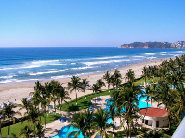 Traveling-to-Cancun-for-Spring-Break-2020-Now-try-Acapulco-Beaches