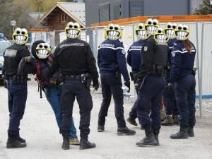 160329 Collectif Artistique Haut-alpin gendarmes