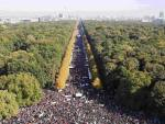 huge_demonstration_against_TTIP_Berlin_10_Octob2015