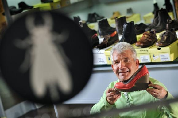 Guimarães,03/11/2011 - Fortunato Frederico empresário e industrial do calçado na fábrica da Kyaia , produtora de marcas de marcas como a Fly London e Foreva .( Pedro Granadeiro / Global Imagens )