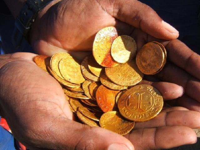 parte-do-tesouro-da-caravela-bom-jesus-encontrado-na-namibia