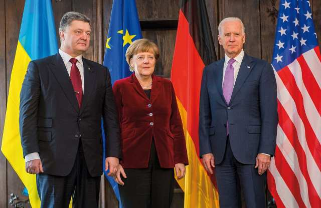 poroschenko_merkel_and_biden_security_conference_february_2015