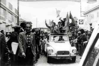 1976-04-23 a caminho de um comício do PS no distrito de Setúbal